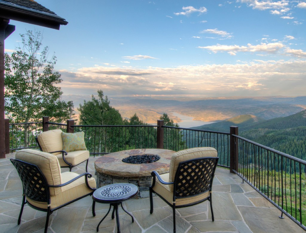 Summit Sotheby's International Realty recently sold the former home of TV producer Marcy Carsey for $12.5 million