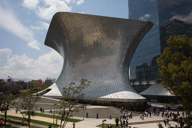 CARLOS SLIM HELÚ'S SOUMAYA MUSEUM. PHOTOGRAPH BY LISETTE POOLE.
